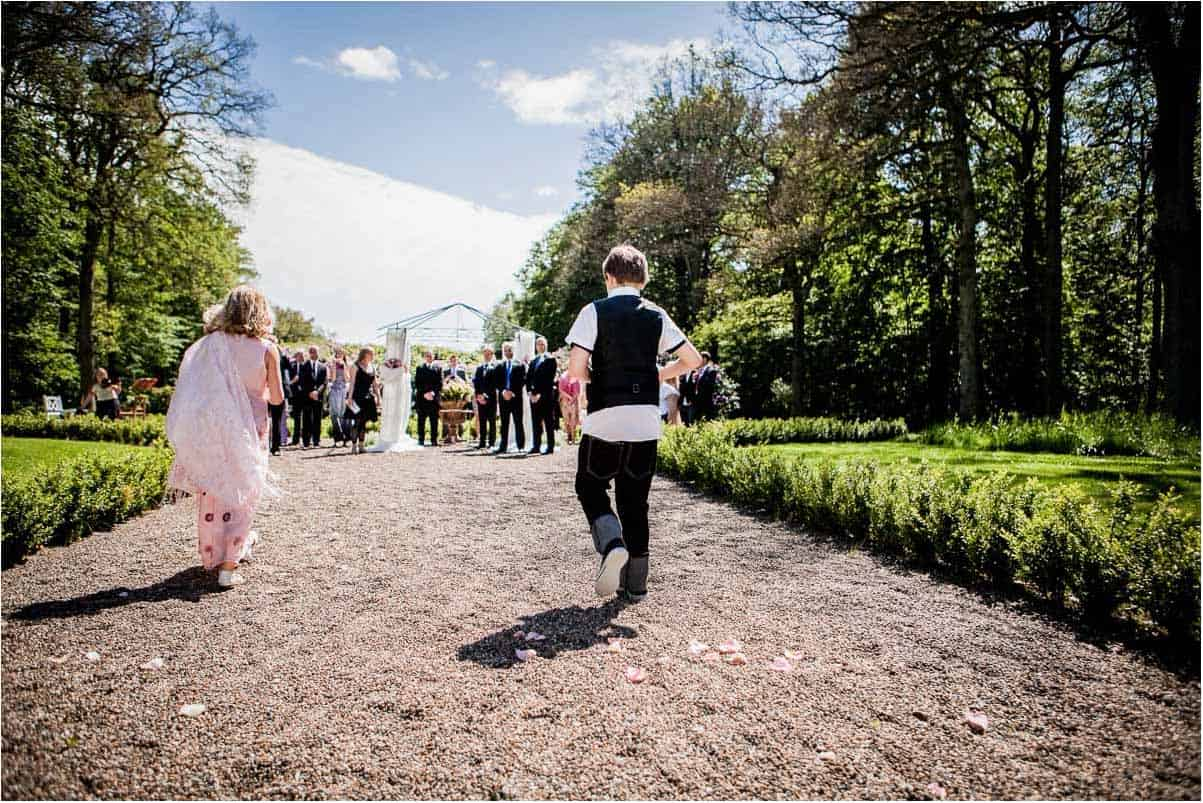 bryllupsfotograf i Jylland rundt overalt i det jyske