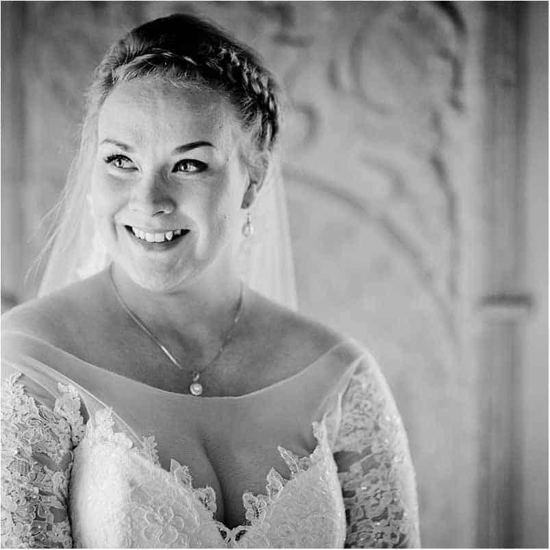 arbejder som bryllupsfotograf primært i København og på Sjælland