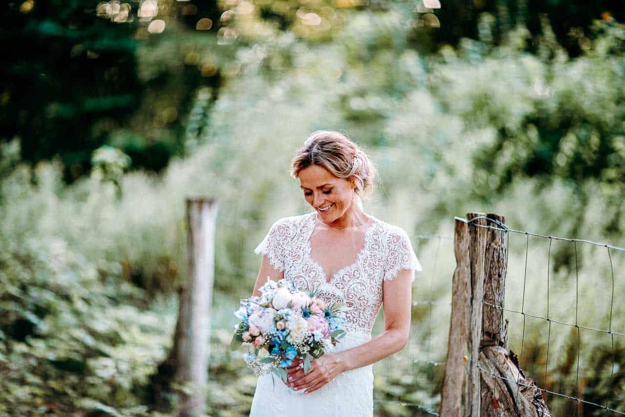 Sjælland både i kirke og på Rådhus: bryllupsbilleder