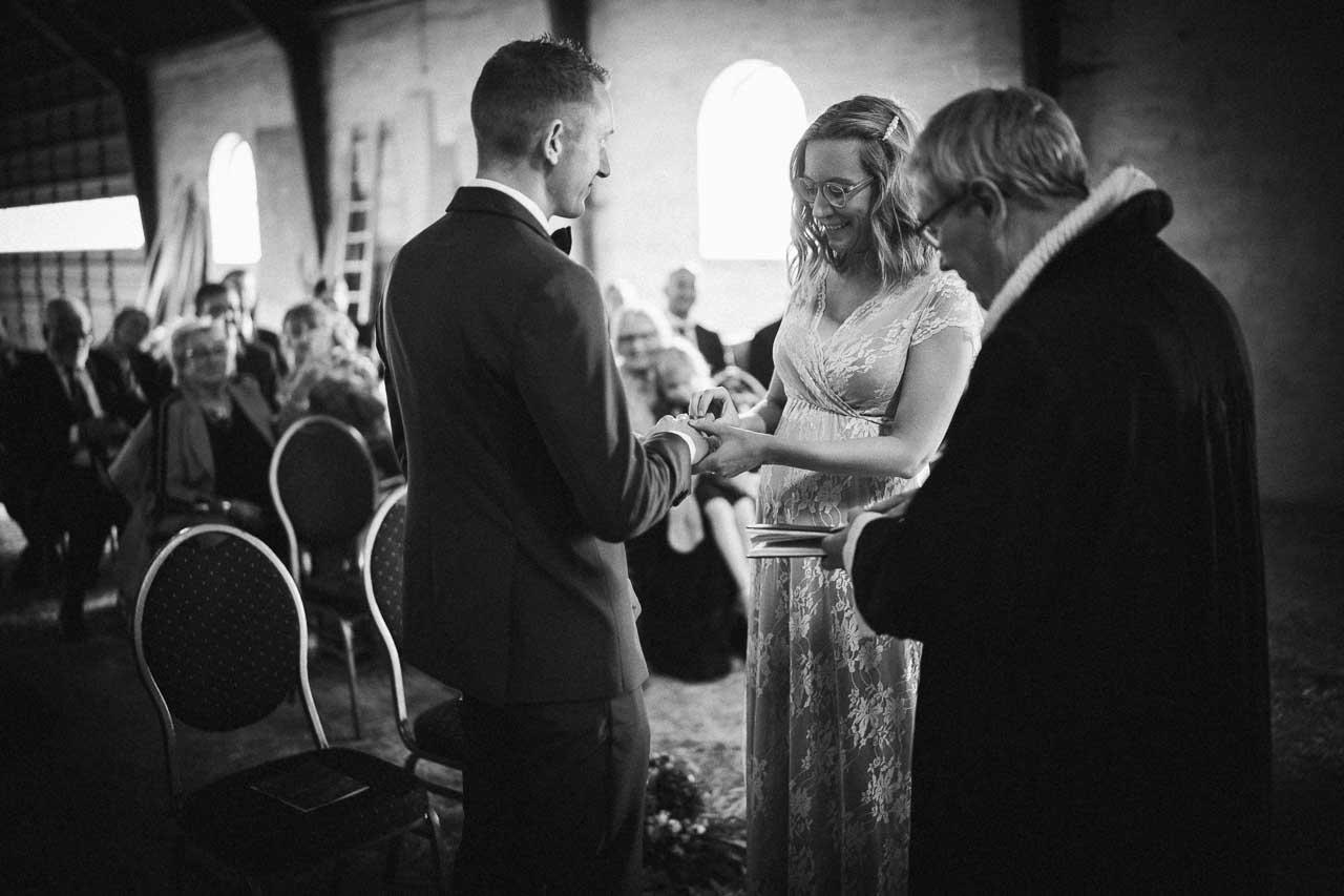 Flere billeder af gård bryllup fyn