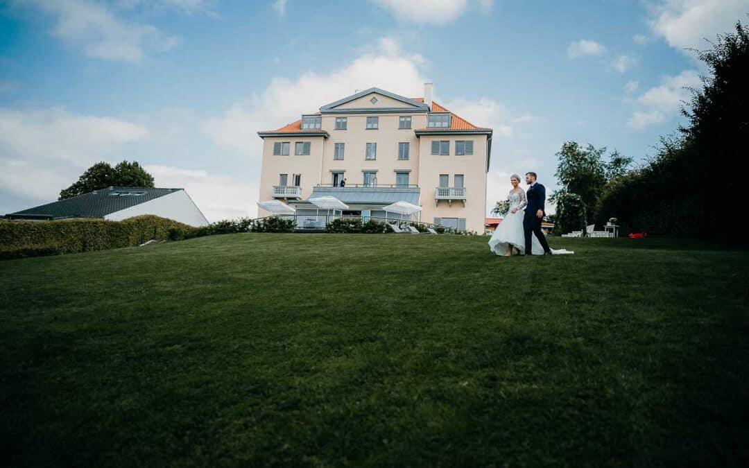 Havebryllup på Hotel Bretagne